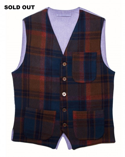 Carlo Vest: Men's casual wooden vest in blue, brown and brick red tartan wool fabric